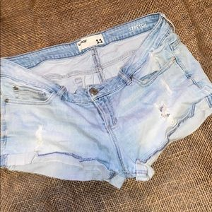 GARAGE DISTRESSED DENIM SHORTS